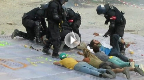 Militarisierte Basler POLIZEI räumt Wagenplatz