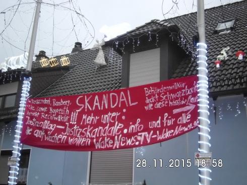 Protestplakat gegen die Schwarzbau-Schandmauer in Reckendorf